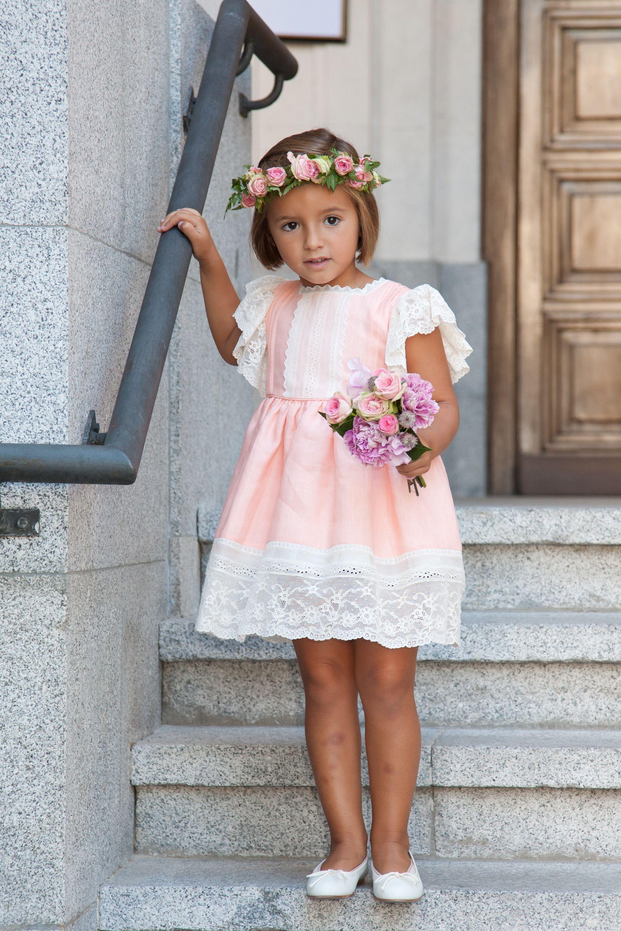 Me la como!!! Vestido La Oca Loca, corona flores Maria Salazar ...