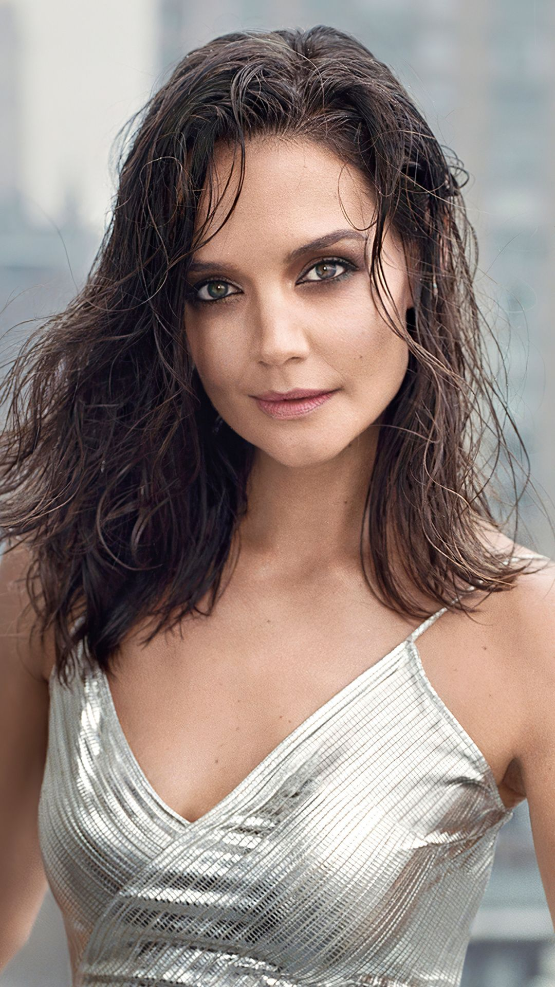 1080x1920 Katie Holmes Shapes Us Magazine 2020 Wallpaper In 2020