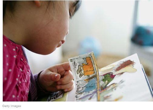 a leitura em casa molda o cérebro das crianças em idade pré-escolar -notícia da Visão de 19 de agosto de 2015.