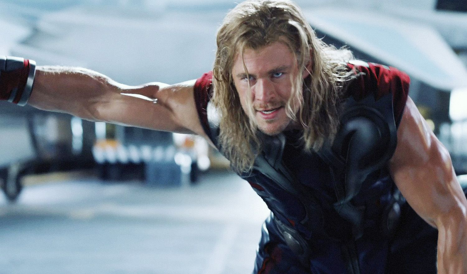 pictures of chris hemsworth hair and long hairstyle of thor | chris