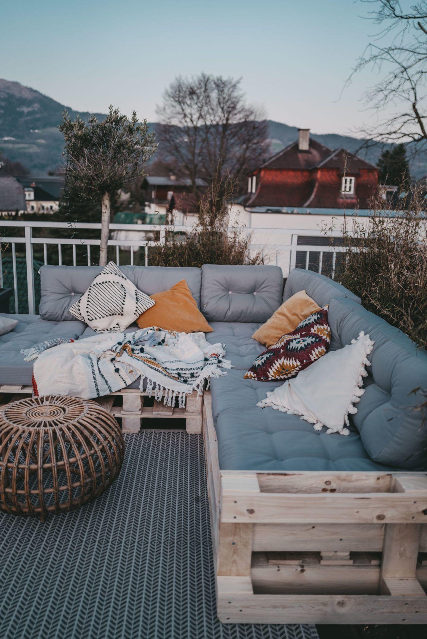 Paletten Couch für die Terrasse   Berries & Passion   Paletten ...