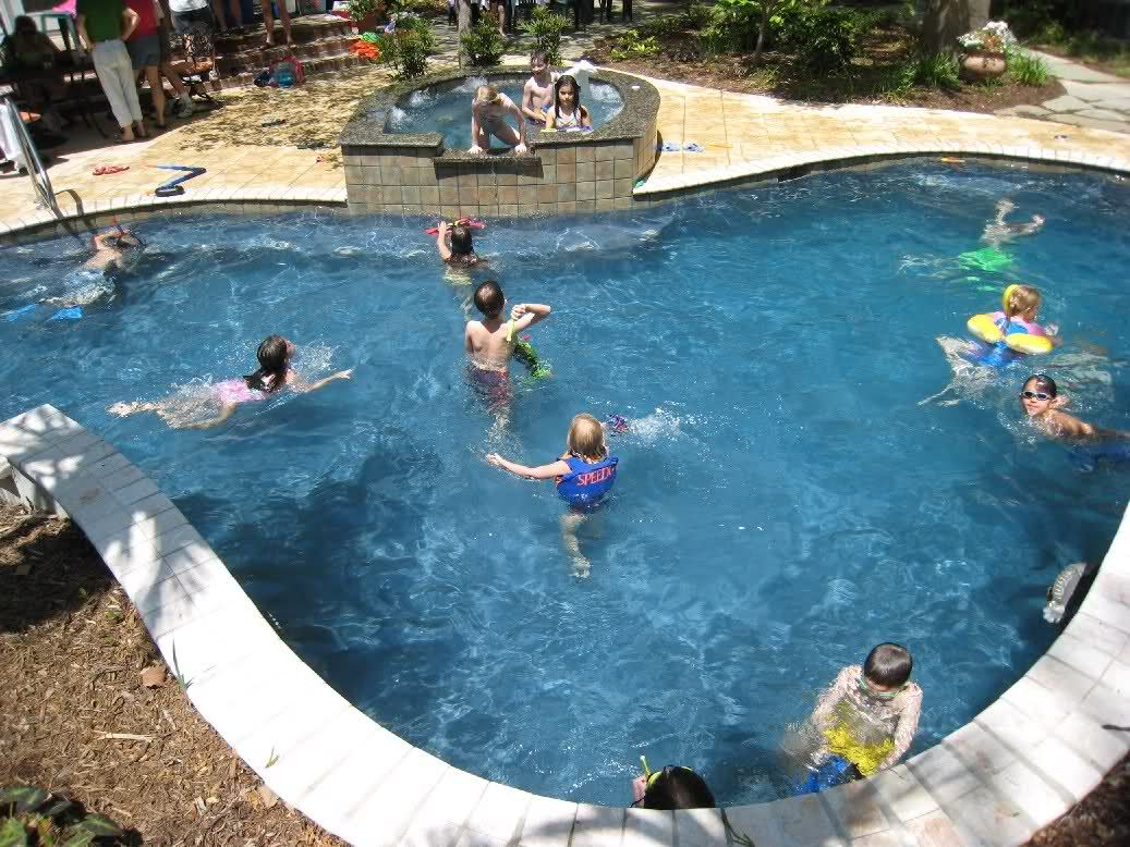 Plaster color vs water color pools spas forum - How to make swimming pool water blue ...