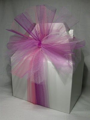 Tulle Bow And Gable Box So Cute Great To Give As Favors Bridal Shower Gift Wrapping Ideas