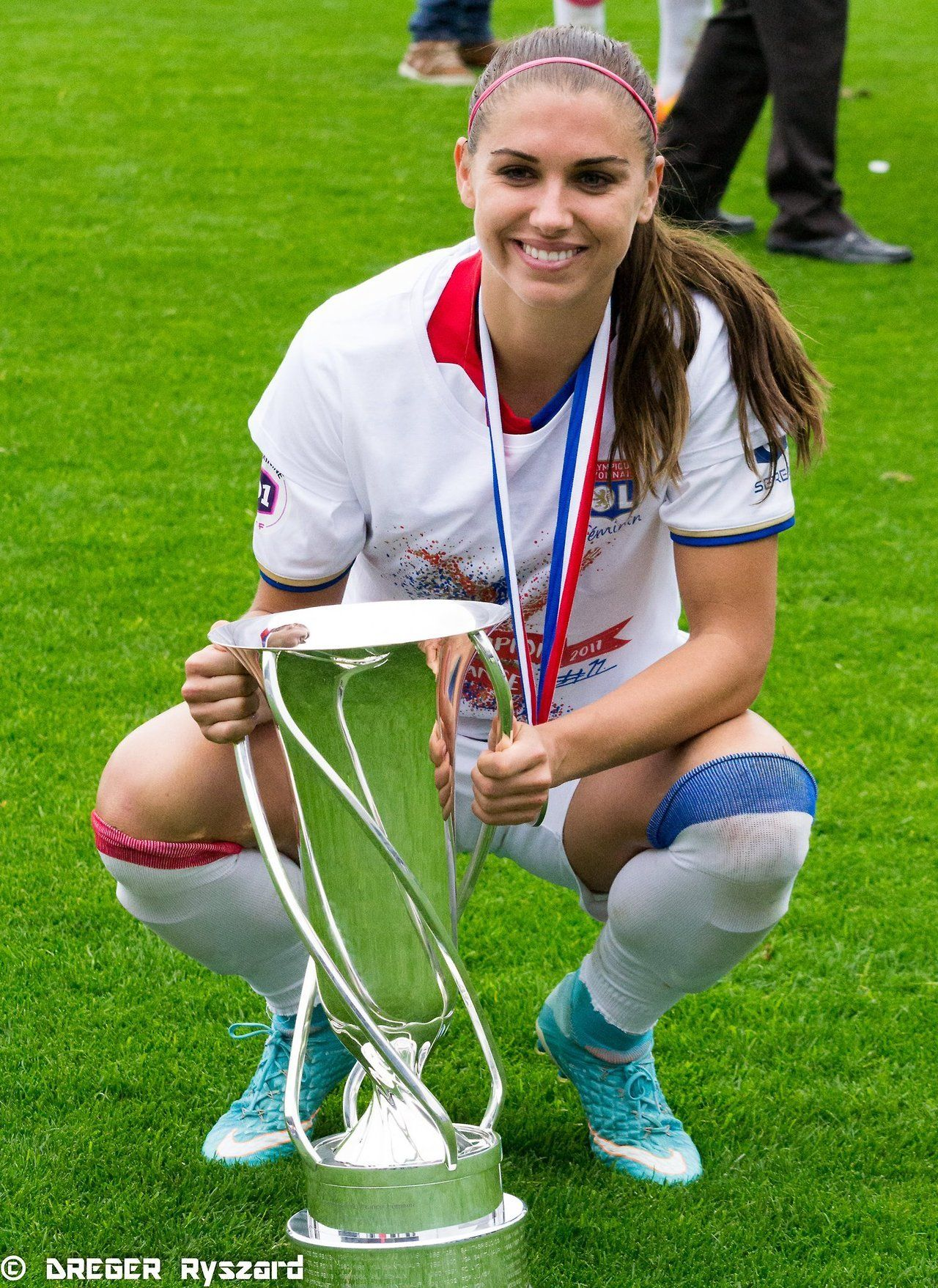 Alex Morgan stan and the USWNT.