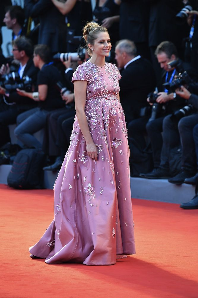 9b58b1e86492c The Best Looks From The Venice Film Festival 2016 | hair and clothes ...