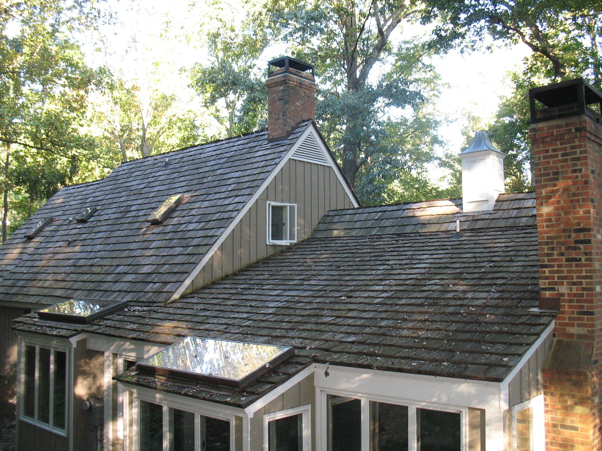 Best Before Cedar Roof Cleaning Charlottesville Va Cedar Roof House Styles Cleaning 400 x 300