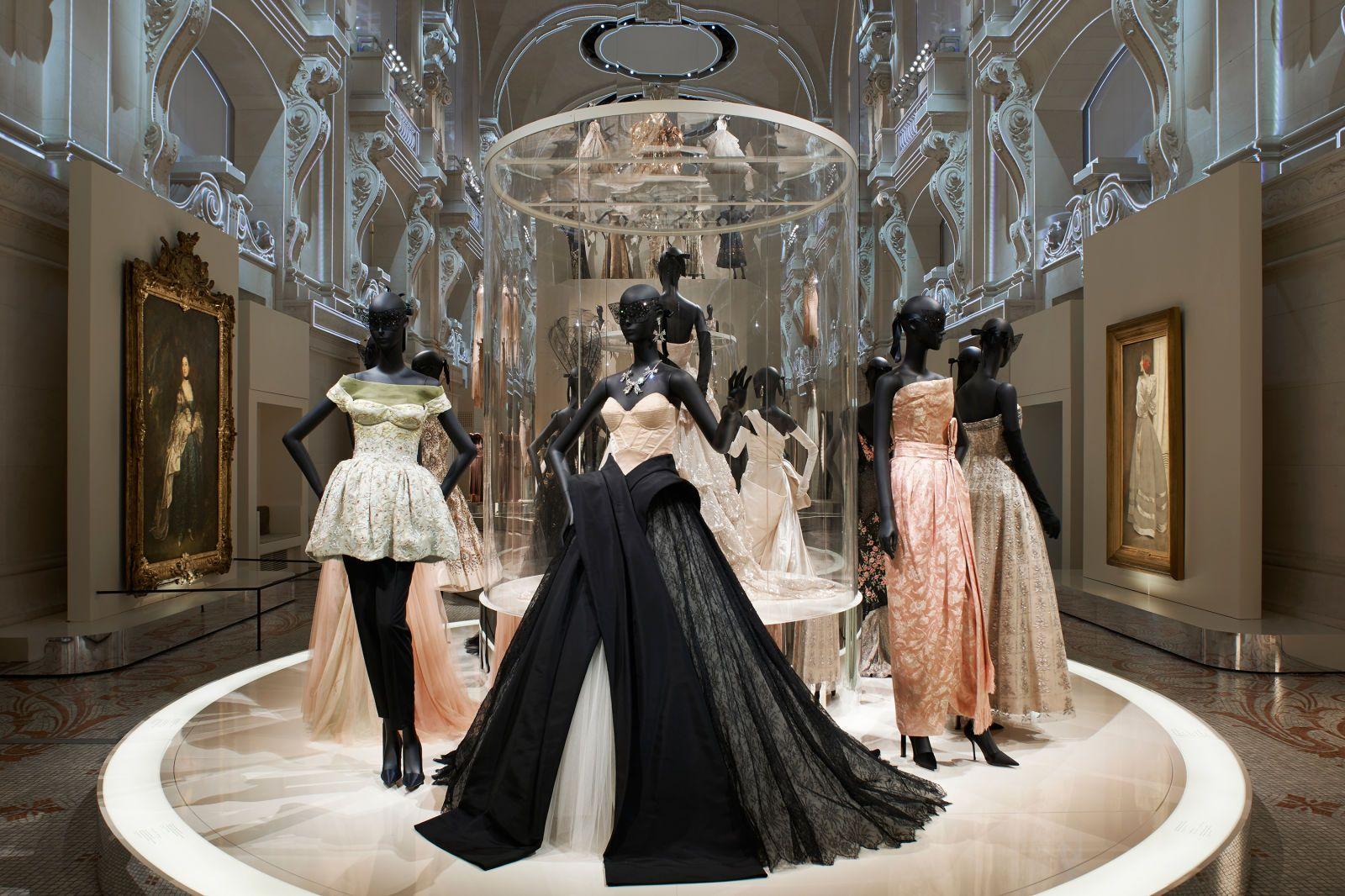 22eeaffd1 See inside Dior's landmark Paris exhibition | dior | Dior, Dior shop ...