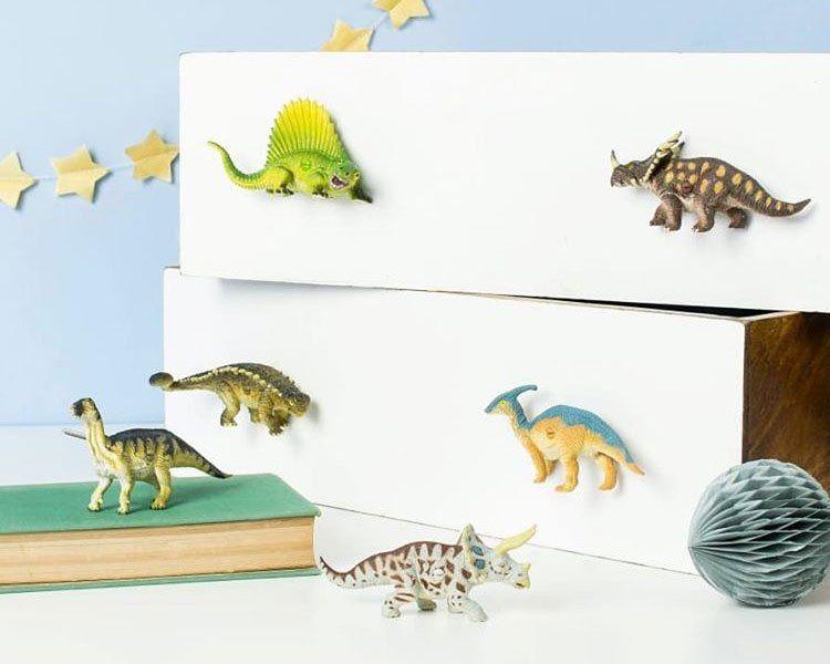 dinosaurier kinderzimmer ideen ikea hacks fur dino fans kinder zimmer wandlampe tierkopf wanddekoobjekt