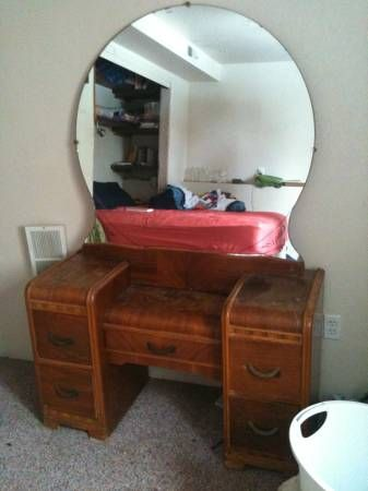 Garys Cousin Kelly Is Looking For A Waterfall Vanity With A Round