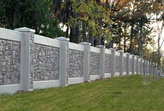 25 Best Concrete Fencing Design Ideas For Backyard Remodeling Plan The Material Of A Fence Holds An Important R Moderner Zaun Steinmauer Vorgarten Zaun Ideen