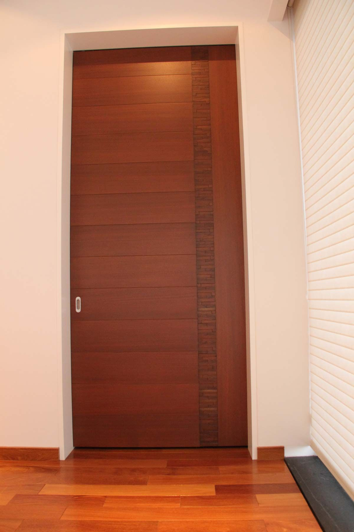 Puertas madera minimalistas inspiraci n de dise o de for Modelos de puerta de madera para casa