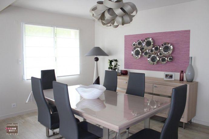 Salle à manger épurée, design, suspension originale salle à manger - table de salle a manger grise