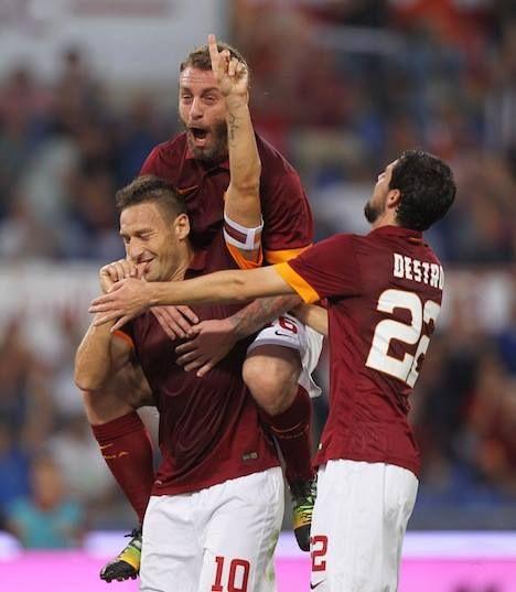 VINCE LA ROMA!!! 3-0 con il Chievo grazie ai gol di Destro, Ljajic e Totti. FORZA ROMA FORZA ROMA FORZA ROMA