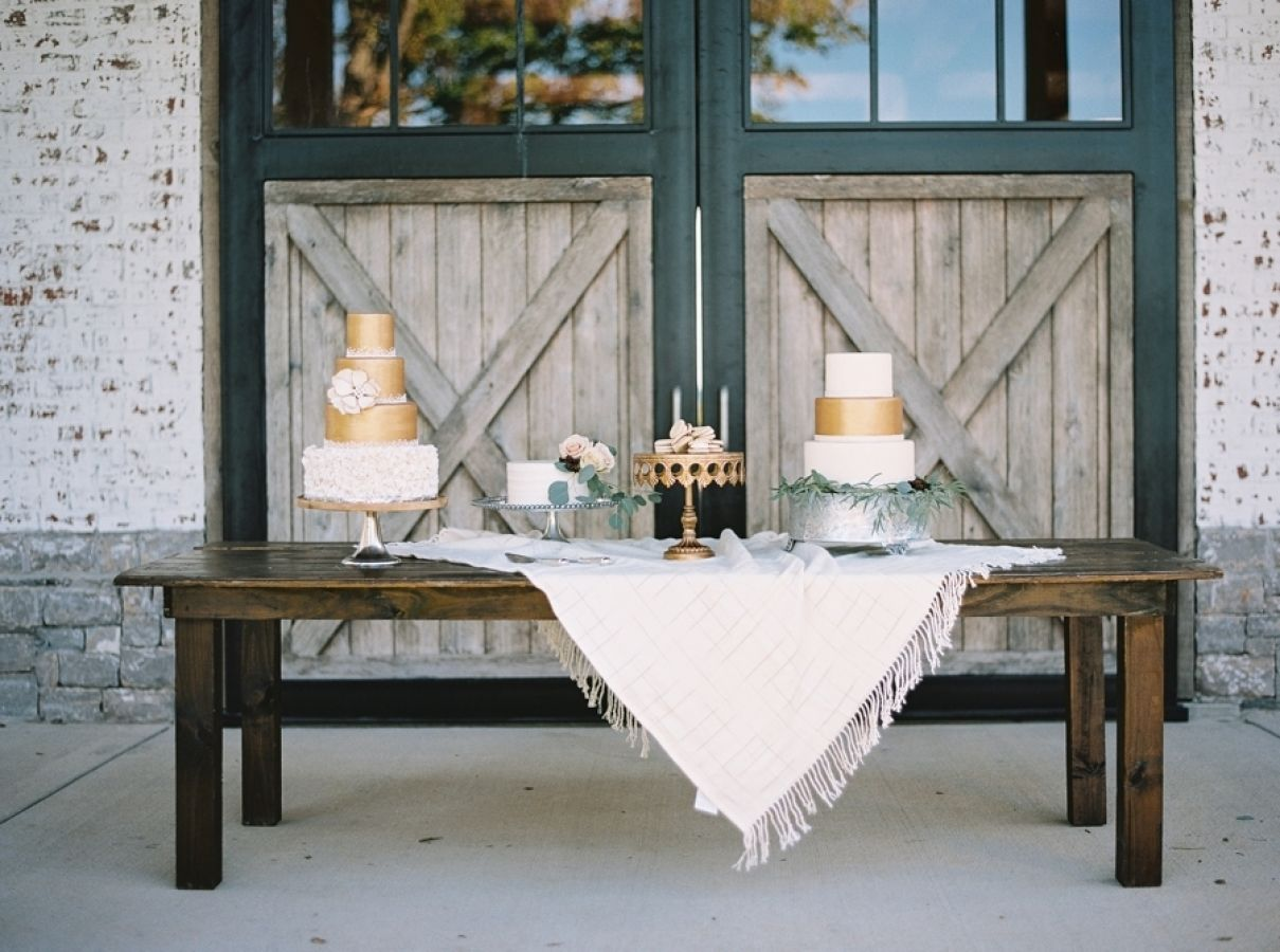 This is the kind of wedding inspiration that makes me skip with happiness to my computer each morning. An unfussy vibe, neutral palette paired with just the right amount of subtle hues here and there and completely organic at heart.