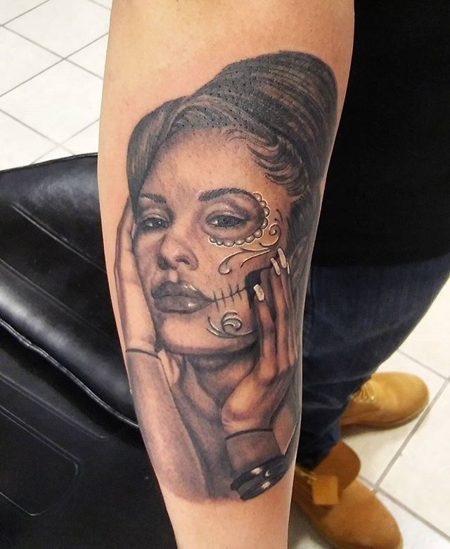 15 Gorgeous Selena Inspired Tattoos That Will Leave You Wanting One Too Traditional Tattoo Tattoos Sugar Skull Tattoos