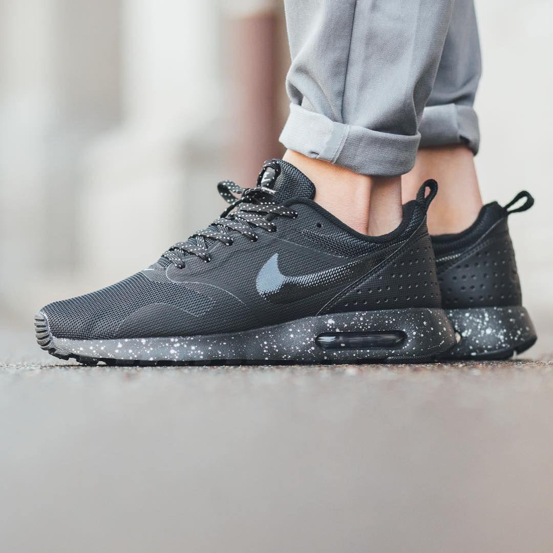 Nike Air Max Tavas SE 'Black/Black-Metallic Pewter' available now