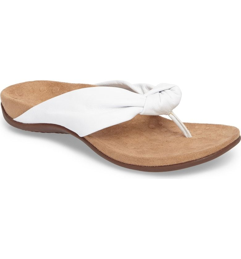 e898c003594 Free shipping and returns on Vionic Pippa Flip Flop (Women) at Nordstrom.com