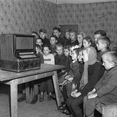 Znalezione obrazy dla zapytania telewizja prl