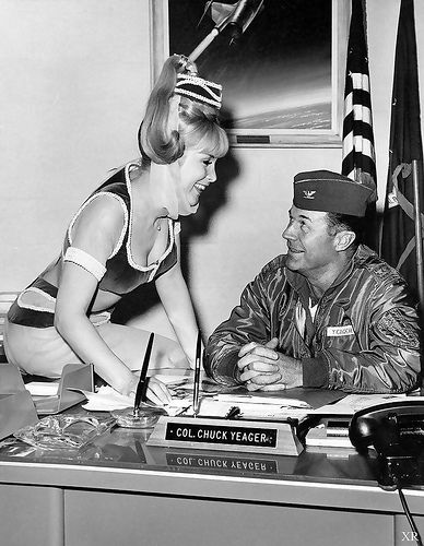 1965 ... Jeannie and Chuck! | Dream of jeannie, I dream of jeannie, Barbara  eden