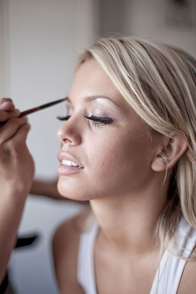 Dos And Donts Of Booking A Professional Makeup Artist