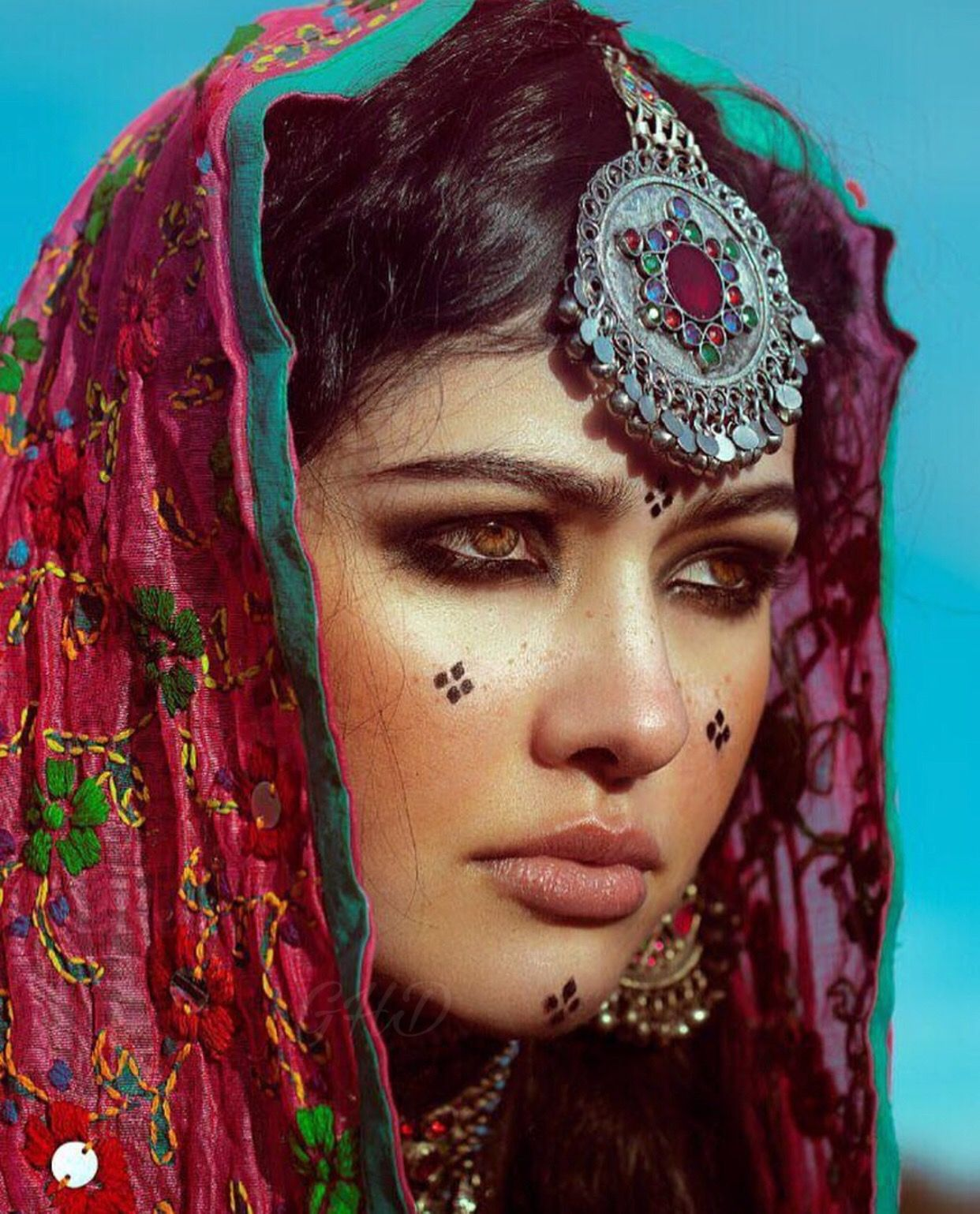 Afghan Style Makeup Jewelry Persian Girls Tribal Face Indian Aesthetic
