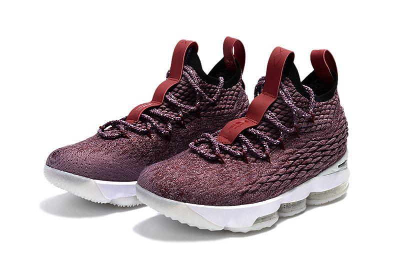 438347dbca869 Nike LeBron 15