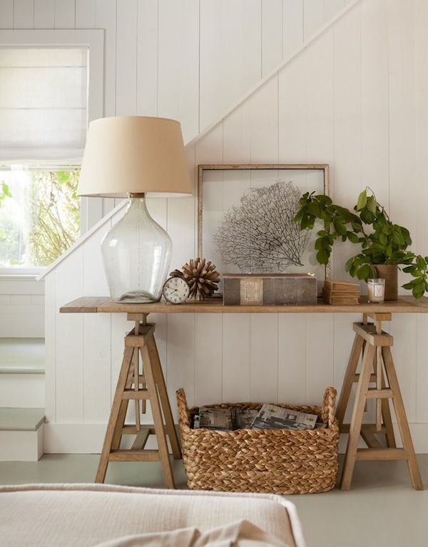 Lamps In The Entry Decor Hamptons House Home Decor