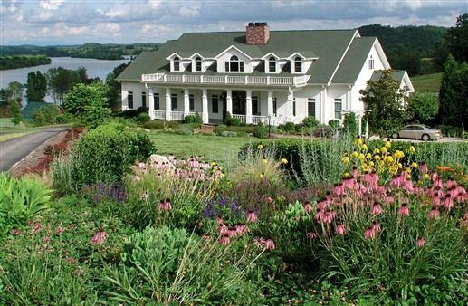 Whitestone Country Inn - Kingston, Tennessee  Kingston Bed