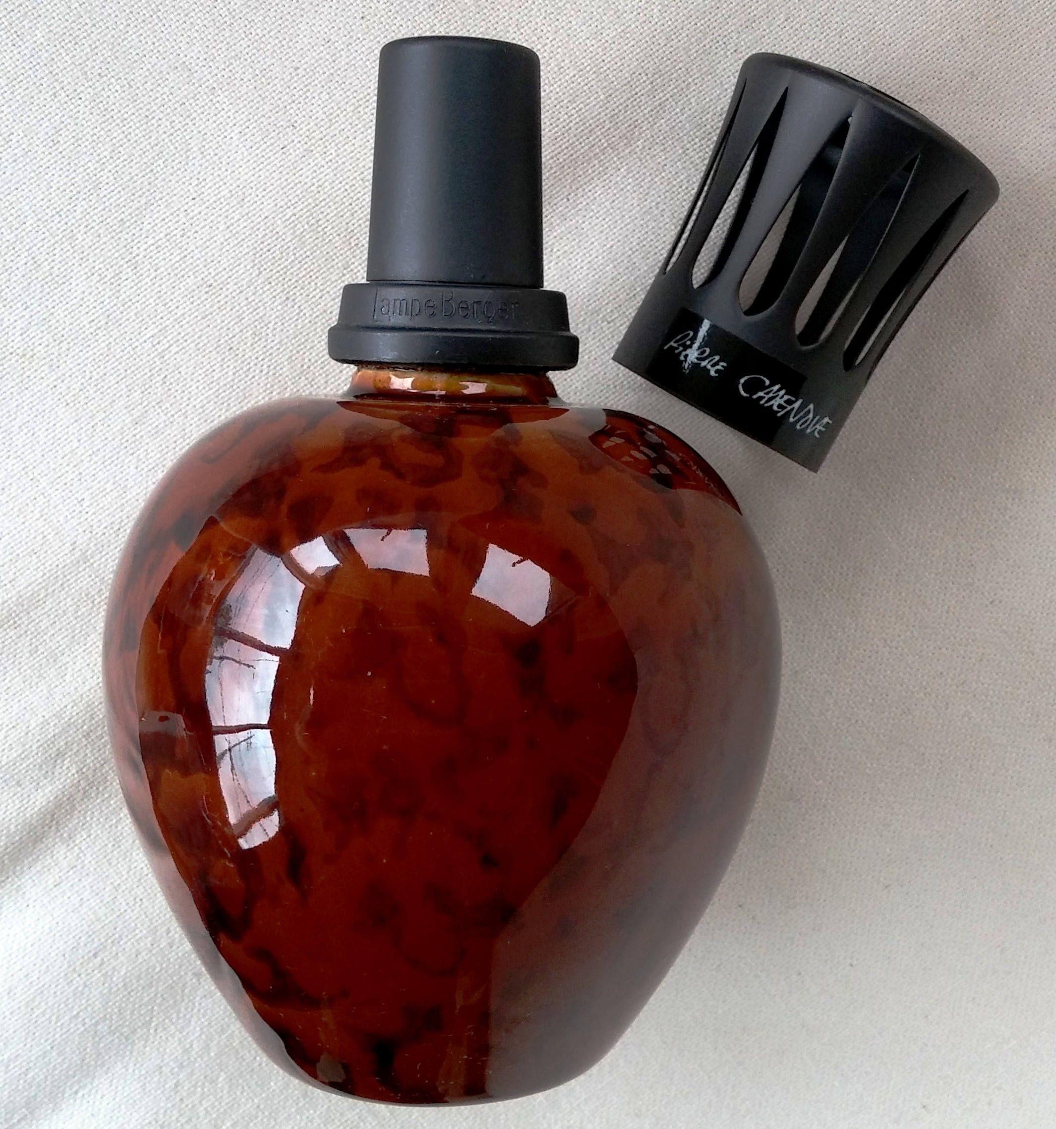 Lampe Berger Saint Clement 5151 Loupe D Orme Imitant L Aspect Du Bois Thuya Diffuseur Parfum Par Pierre Casenove Porcelaine Ma Perfume Bottles Fragrance Alae