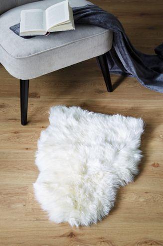 Schaffell in Weiß - flauschig weich und anschmiegsam