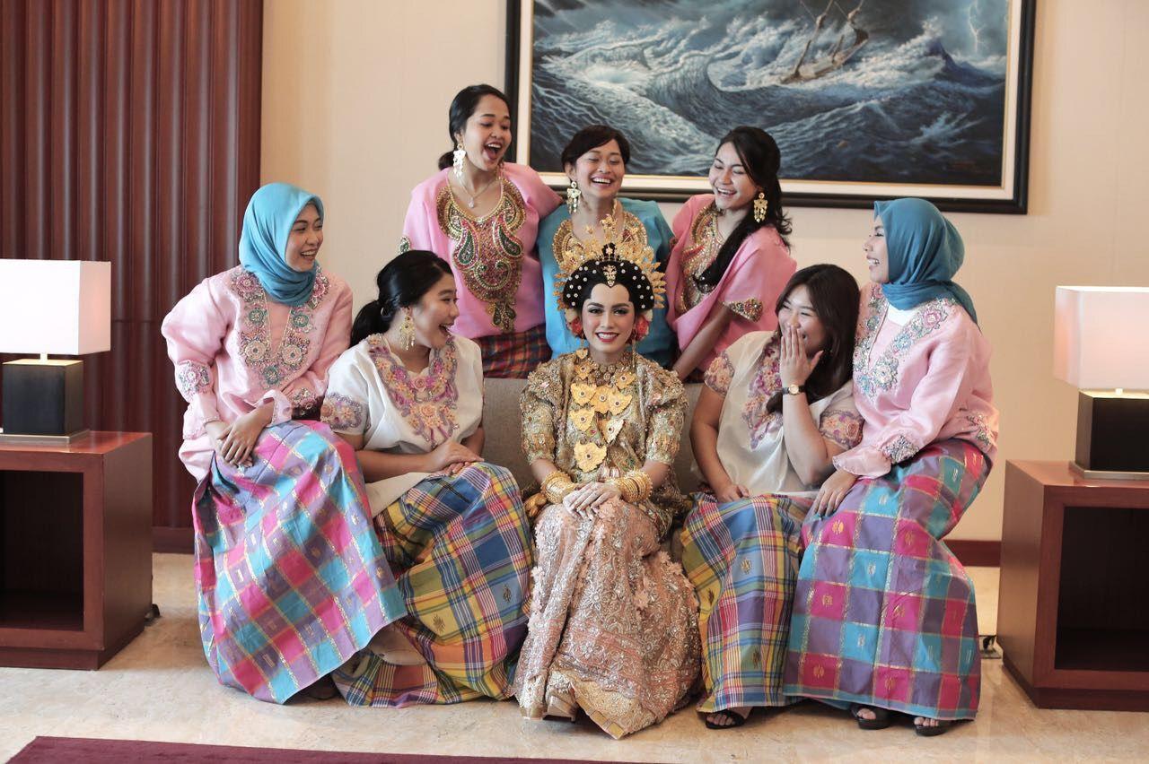 67 Gaya Baju Bodo Bridesmaid Terbaik