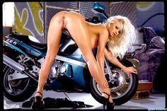 Видео берковой мотоциклы и голые девки жены журнал