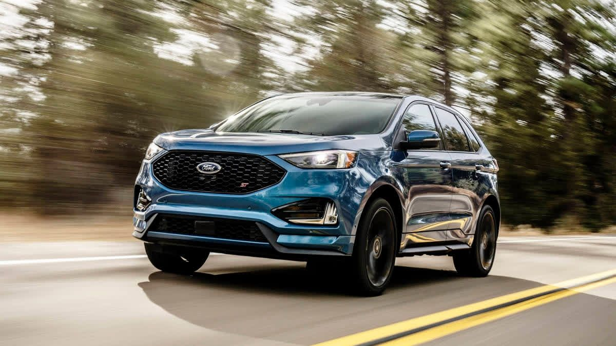 The Ford Edge St Comes With Standard Awd And The Suspension Was