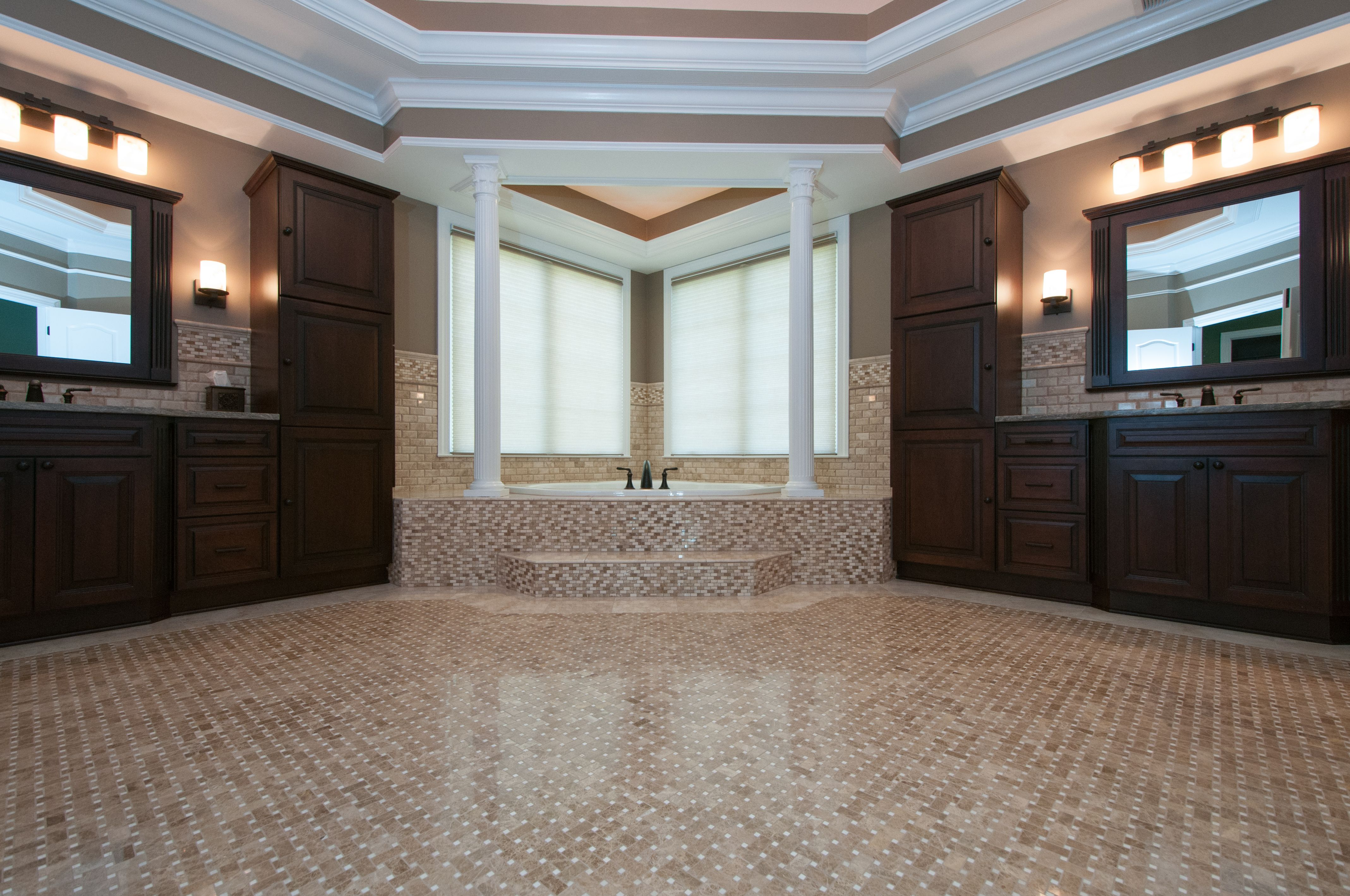 Very Detailed Tile Work Herebacksplash Above The Cabinets And Classy Free 3D Bathroom Design Software Decorating Design