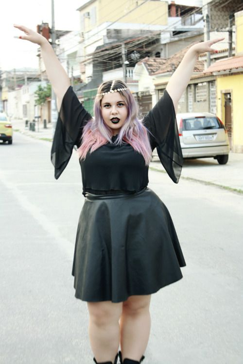 7d3f2f6b46c Plus Size Goth Fashion