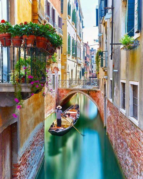 Gondola Ride Gondola Venice Grandcanal Beautiful Italy