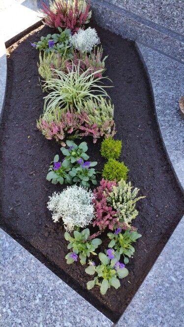 pin von m ria vigh auf temet pinterest grabgestaltung grabbepflanzung und friedh fe. Black Bedroom Furniture Sets. Home Design Ideas