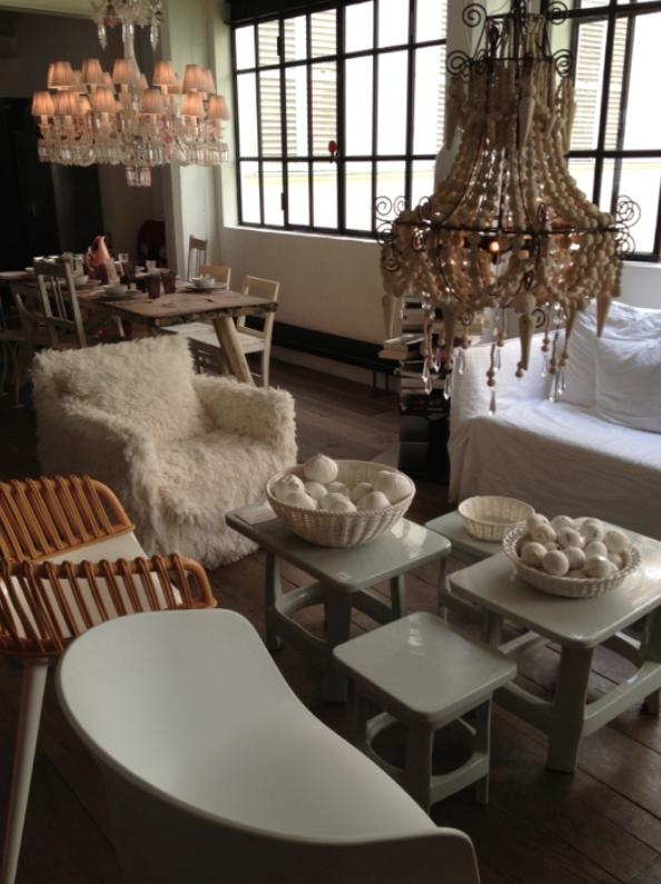 Meubles Et Luminaires Chez Merci Paris Design Interieur Restaurant Meuble Idees De Design D Interieur