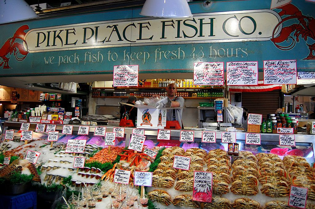 Pike place fish market seattle washington places i 39 ve for Fishing in seattle washington