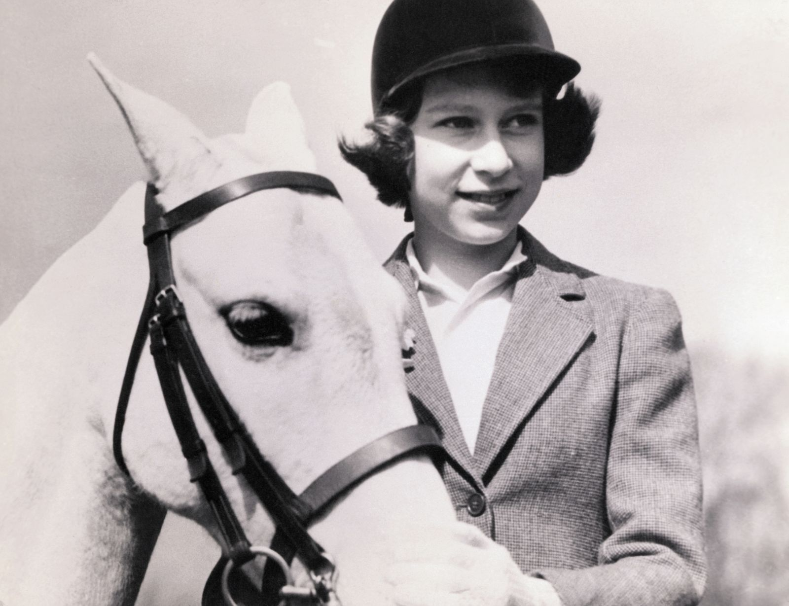See Rare Photos of Queen Elizabeth When She Was Young in