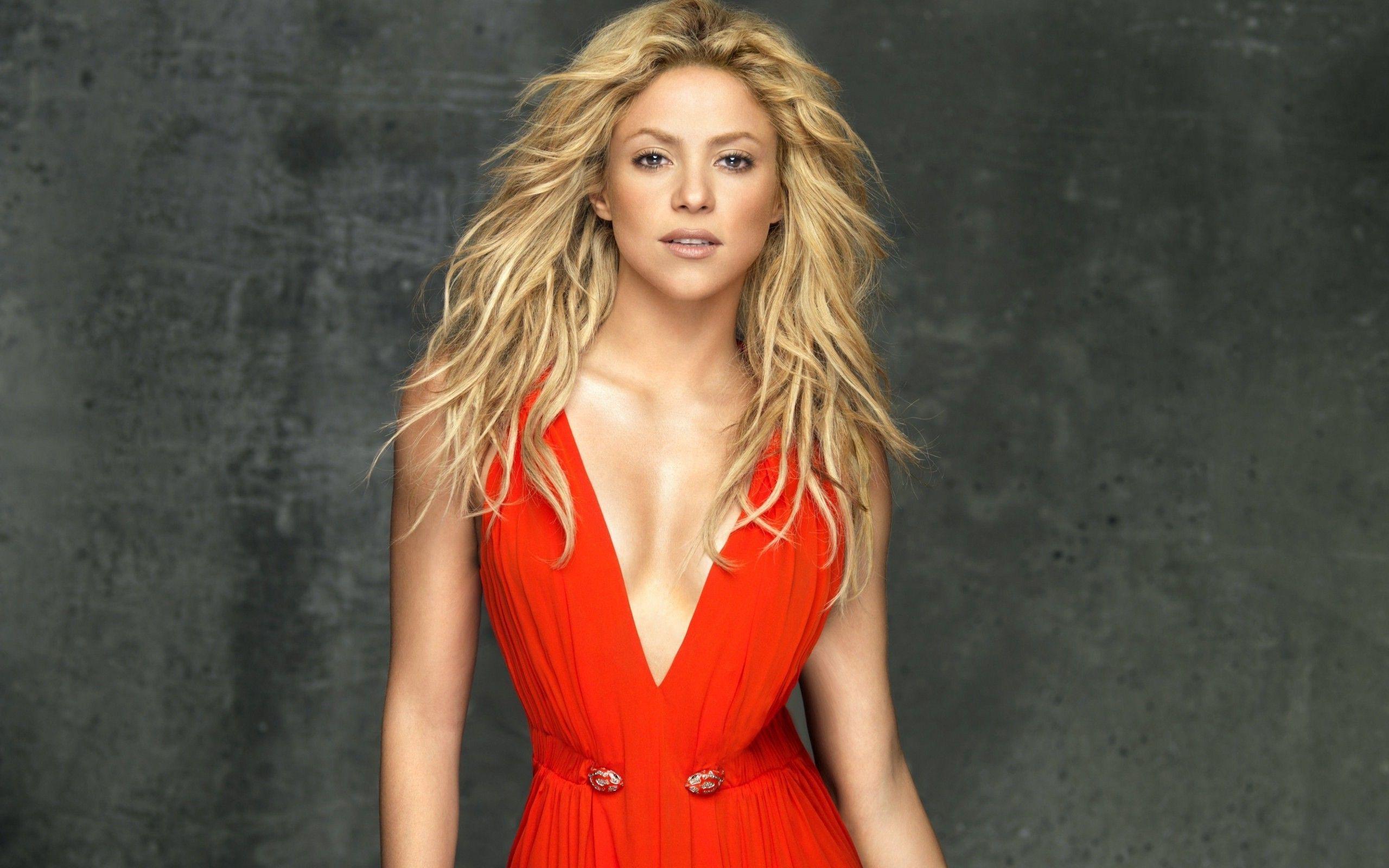 Pin By Junaid Adil On Body Shakira Hot Shakira Shakira Photos