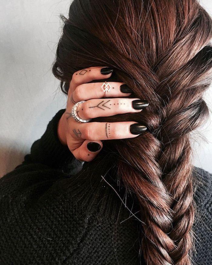 ▷ 1001 + Ideen für coole Hand Tattoos mit Bedeutung