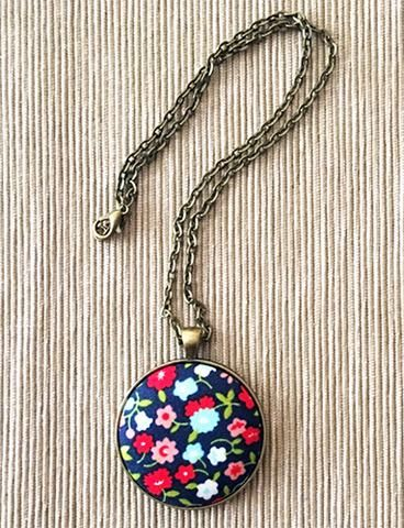 Making a fabric button pendant necklace tutorial for Lilly d s craft supplies