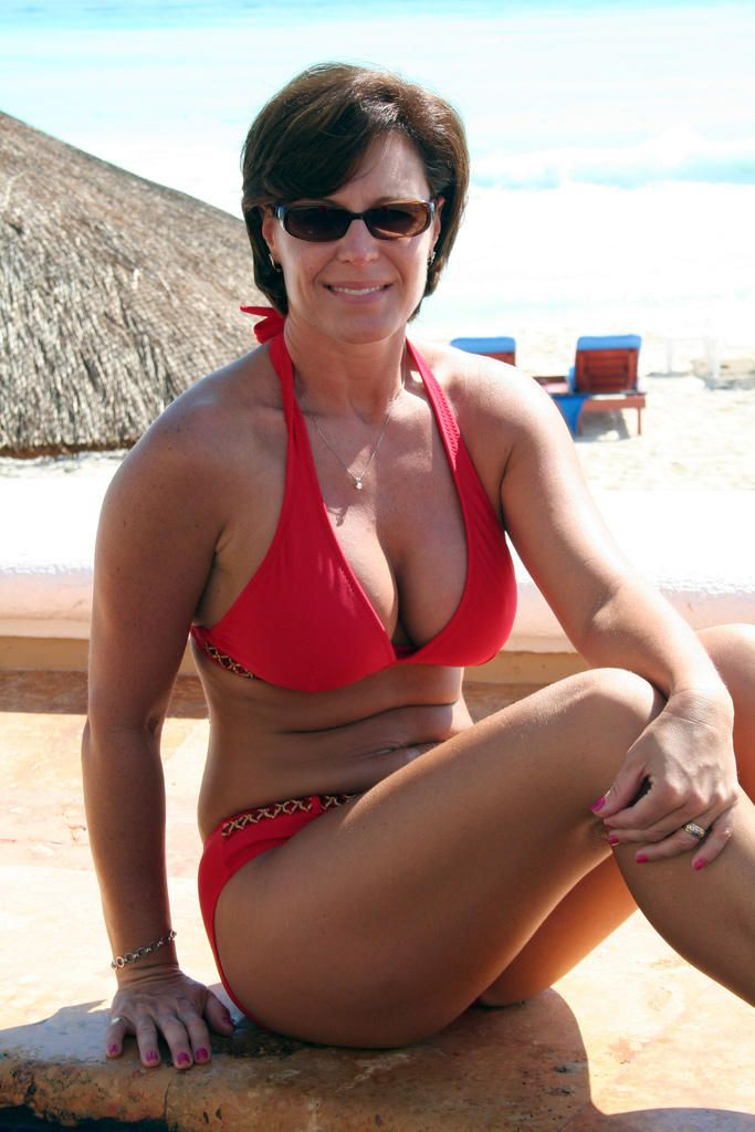 Be. Brilliant hot mature moms in bikinis lesbians can