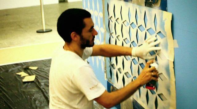 """Stephan Doitschinoff by Fausto Nocetti. Perfil do artista Stephan Doitschinoff feito para a mostra """" De Dentro para Fora/ De Fora para Dentro""""  www.hellflamerio.blogspot.com"""