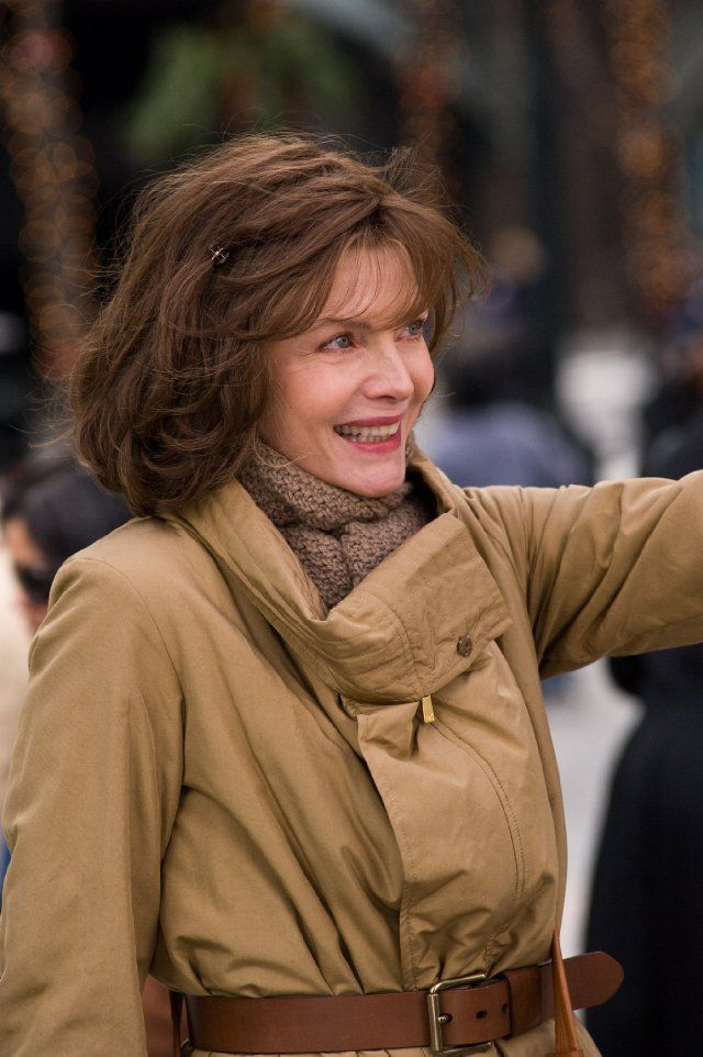 Still Of Michelle Pfeiffer In New Year S Eve Michelle Pfeiffer Brown Hair Michelle