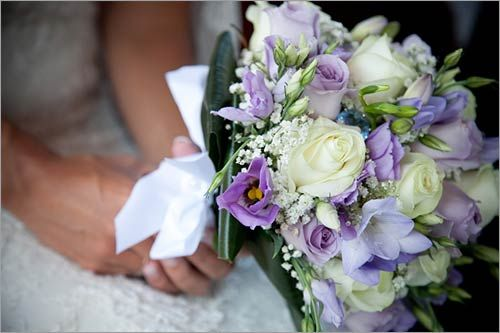 Bouquet Sposa Lilla.Immagine Wedding Nel 2019 Matrimonio Lilla Matrimoni