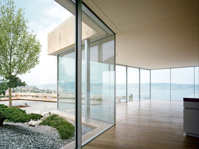 Sky Frame Fenster sky frame minimalism showroom window and house