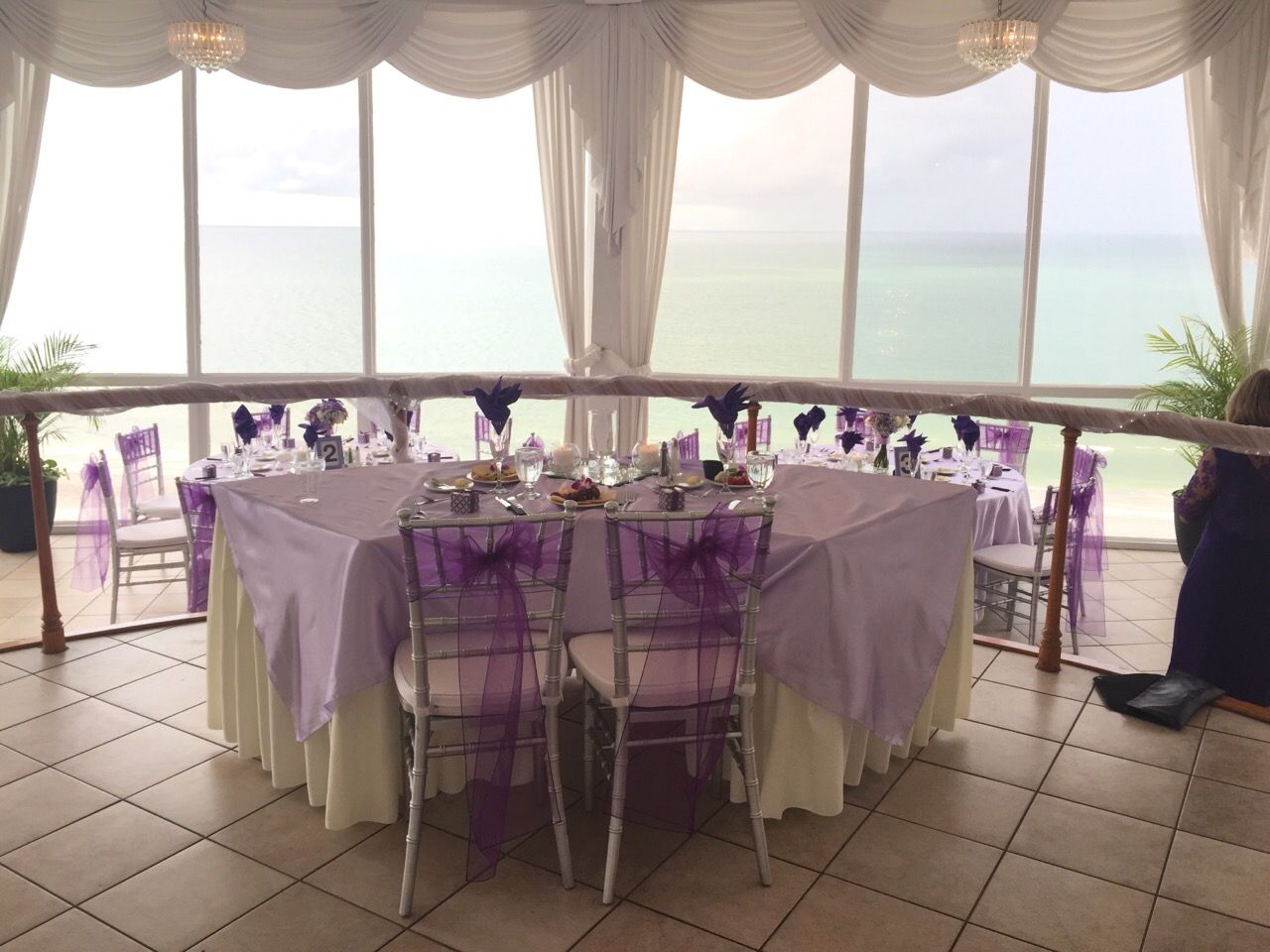 Bride And Groom Table Setting   Purple And Lavender