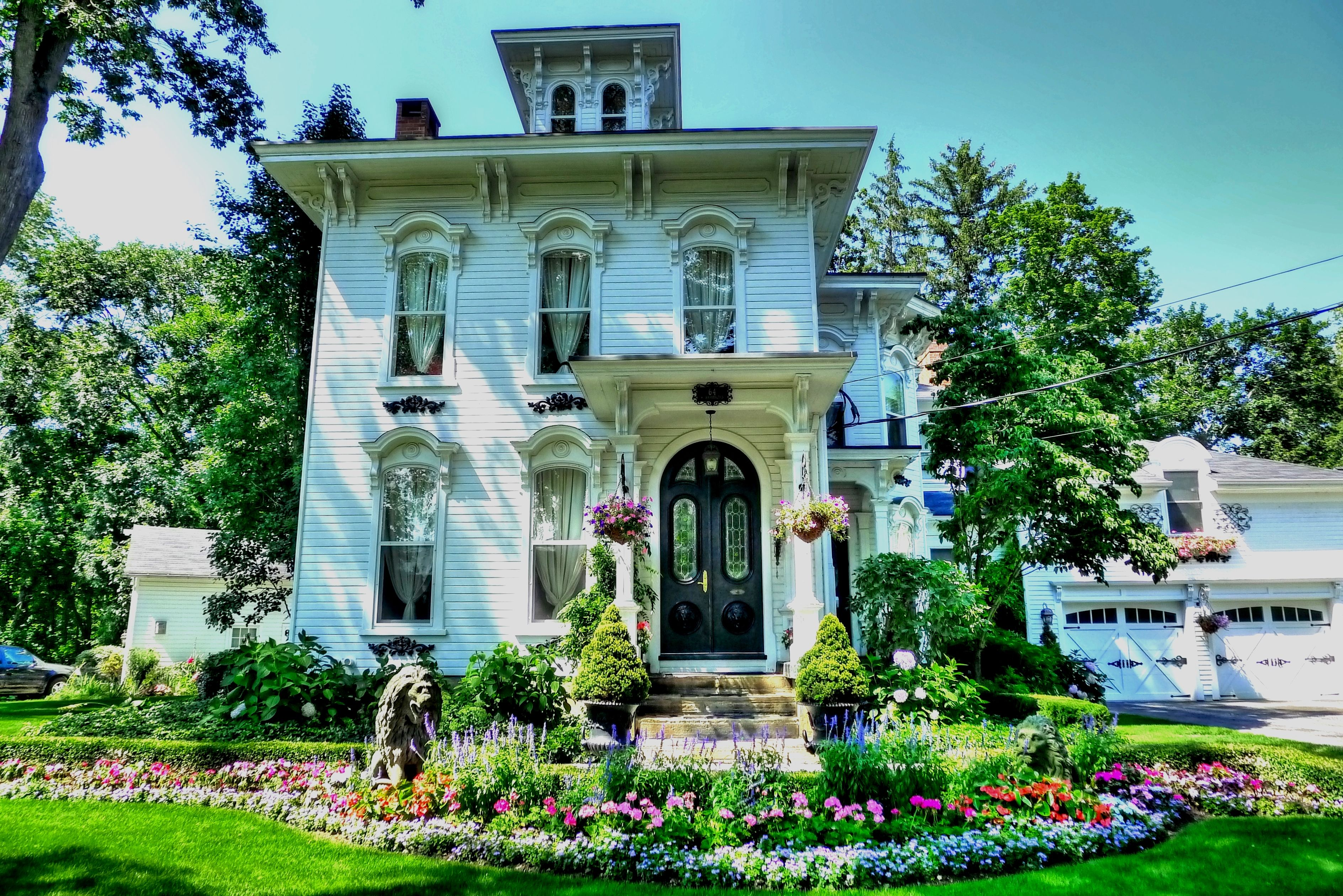 Love this! Check out more Historical Homes in HGTV FrontDoor's Doory Awards !! I love the homes in this sweet contest and it would be incredible to win this prize that you can win it's $10,000. dollars Wow what i could do with this money !! I couldn't even imagine what all i would do! One Thing Would Be To Drive Up To See My Children and My Grandchildren Yeppers I would indeed do that and i would spend time with them and Maybe Get To Know My Son All Over Again!
